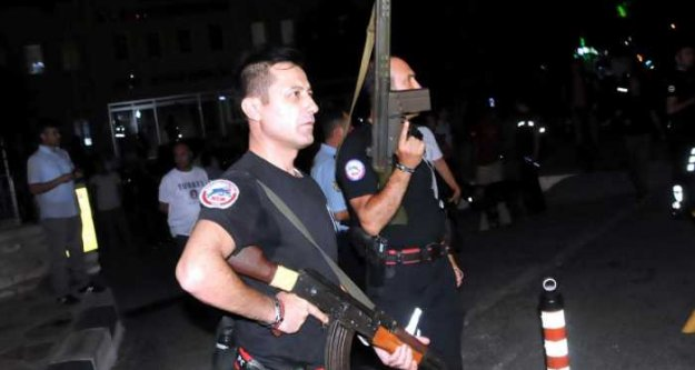 Askeri Darbe son durum; Marmaris'te çatışma 1 şehit var