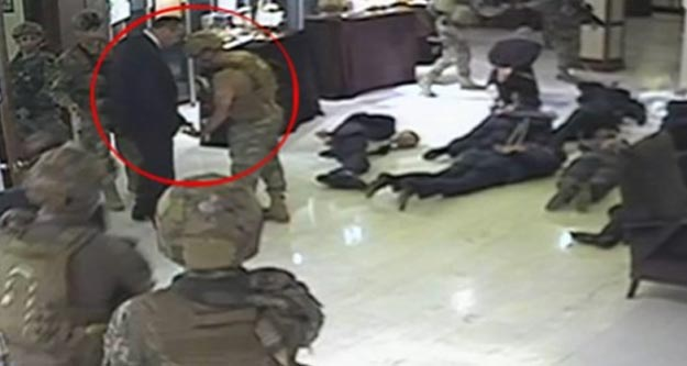 Darbeci askerlere not gösterip serbest kalan Tuğgeneral Akyıldız