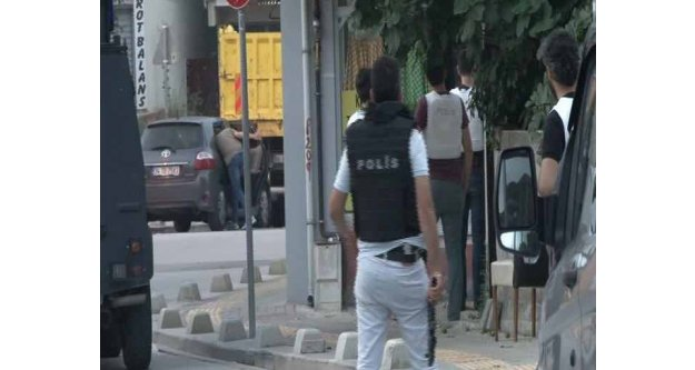 Sultangazi ve Gazi Mahallesi'nde terör operasyonu