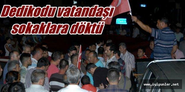 Tekirdağ'da askeri birliğin önünü kepçeler kapattı