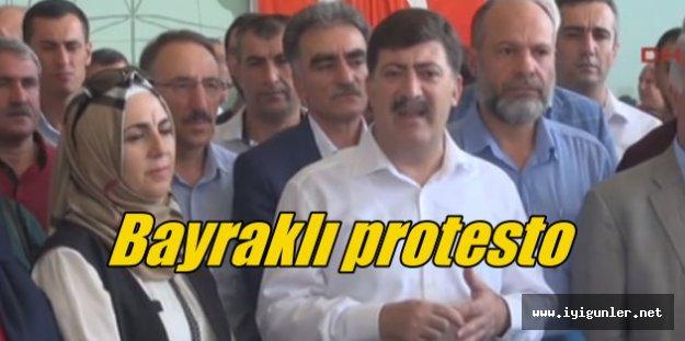 Diyarbakır'da PKK saldırısına bayraklı protesto