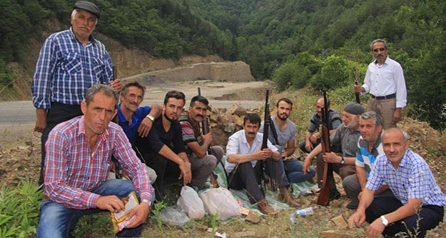 Köylüler dağlarda terörist arıyor