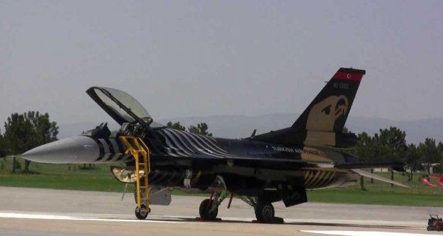 3'üncü Ana Jet  üssüne operasyon: 21 gözaltı