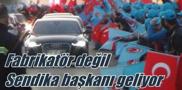 Audi'li Sendika Başkanı, işçileri greve götürüyor...