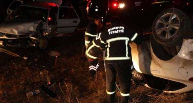 Burdur'da trafik kazası, faciadan dönüldü