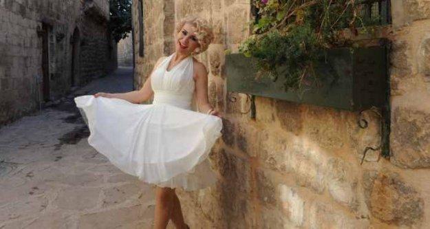 Melek Akarmurt, Mardin'in Marilyn Monreo'su oldu