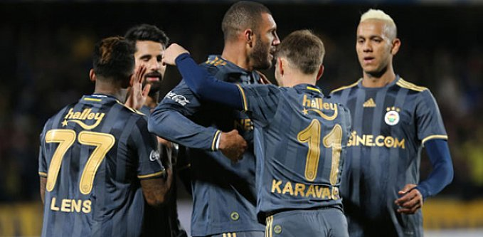 Fenerbahçe Denizlispor'a fark attı.