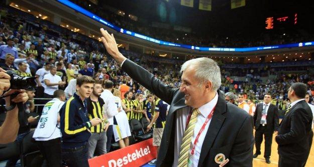 Fenerbahçe, Kızılyıldız deplasmanında