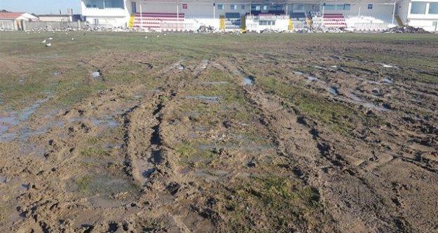 Ümraniyespor,Balıkesirspor maçı ertelendi