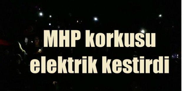 Meral Akşener'e Çanakkale'de salon krizi çıkardılar