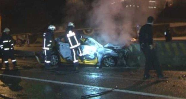 Silahla gasp ettikleri araçla kaza yaptılar