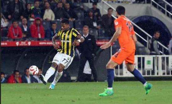 Fenerbahçe penaltıda 3 kez fırsat kaçırdı.
