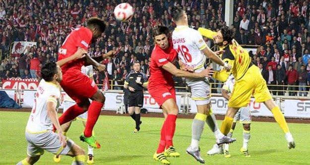Finalin adı Mustafa Denizli-Yılmaz Vural oldu