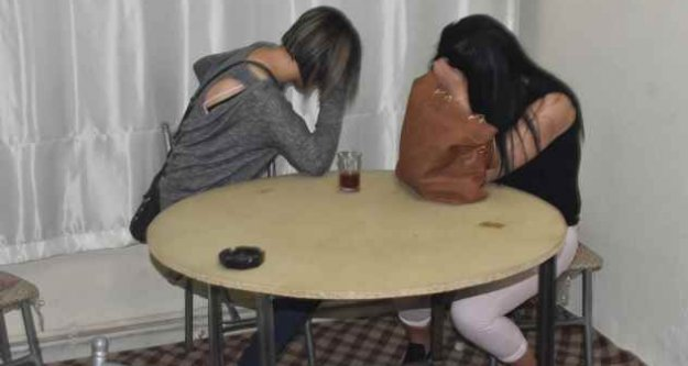 Konya'da tombalacı kızlar operasyonla yakalandı