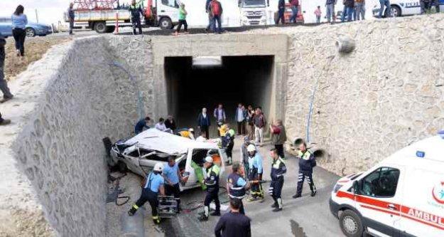 Malkara'da feci kaza; Minibüs köprüden uçtu, 1 ölü var