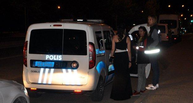 Polisle tartışınca yaka paça gözaltına alındı