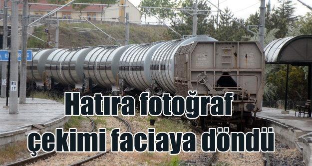 Yük treni üstünde fotoğraf çekme merakı faciaya döndü