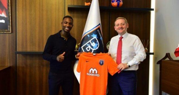 Başakşehir Elia ile 3 yıllık sözleşme yaptı