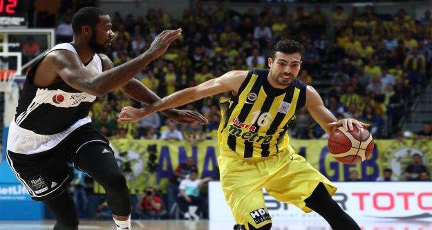 Beşiktaş-Fenerbahçe final serisinin 4. maçına çıkıyorlar