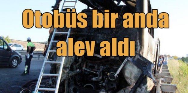 Afyon İzmir yolunda otobüs yandı; Faciadan dönüldü