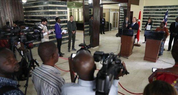 Bakan Çavuşoğlu 12 saatte 3 Afrika ülkesini ziyaret etti