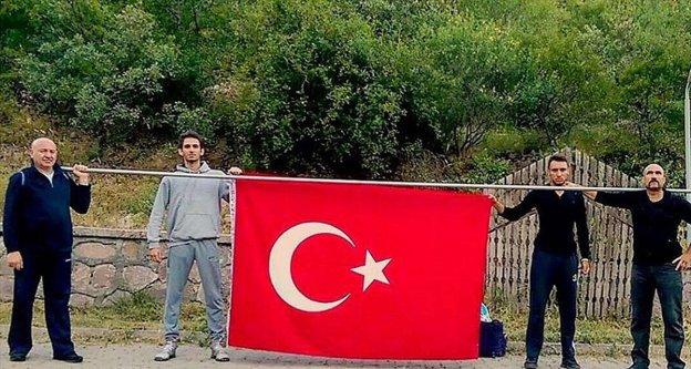 Cuntacıları unutturmamak için İstanbul'dan Ankara'ya yürüdü