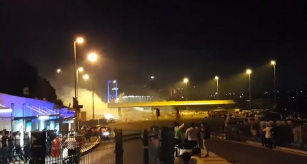 Darbe girişimi sırasında köprüde yaşananlara ilişkin yeni görüntüler