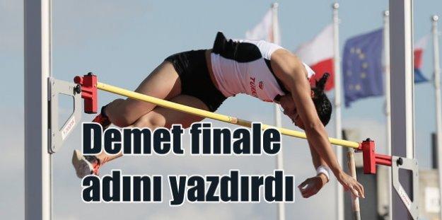 Demet Parlak, sırıkla atlamada finale adını yazdırdı