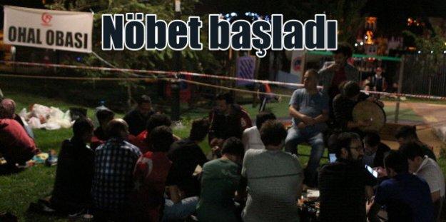 Demokrasi nöbetleri başladı: 15 Temmuz'un 1. yılında meydanlar doluyor