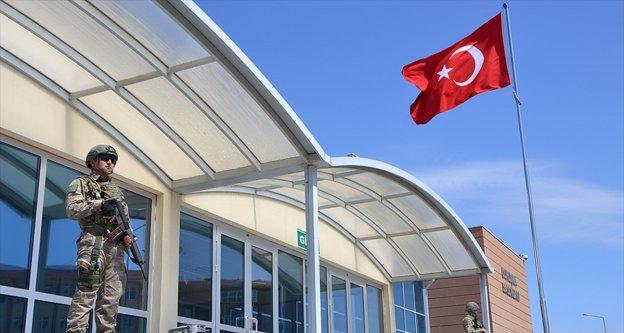 İstanbul'daki darbe sanıkları mahkemelerde hesap veriyor