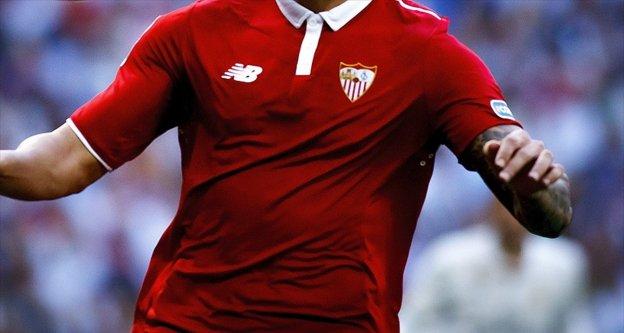 Sevilla'dan savunmaya takviye