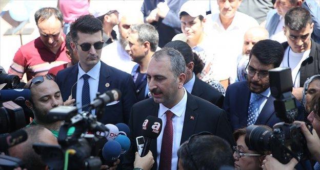 Adalet Bakanı Gül: Bu ifade Türkiye Cumhuriyeti vatandaşına yakışır bir ifade değil
