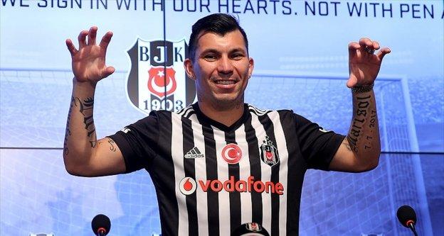 Beşiktaş, Medel'i basına tanıttı