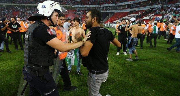 Beşiktaş ve Konyaspor'un cezası belli oldu