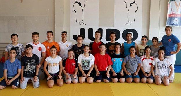 Genç judocular 2020 Tokyo Olimpiyatları'nı hedefliyor