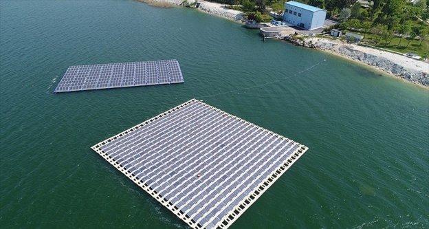 İBB, Türkiye'nin ilk yüzer güneş enerji santralini kurdu