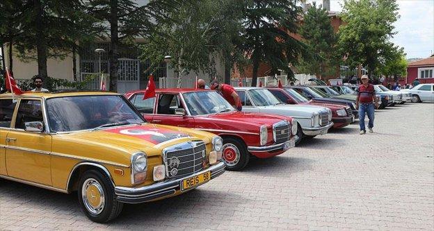Klasik otomobil sahipleri buluştu
