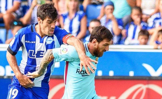 Messi Barcelona'yı Alaves deplasmanında sırtladı
