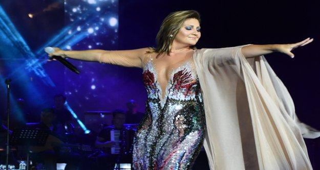Sibel Can'dan Çeşme konseri