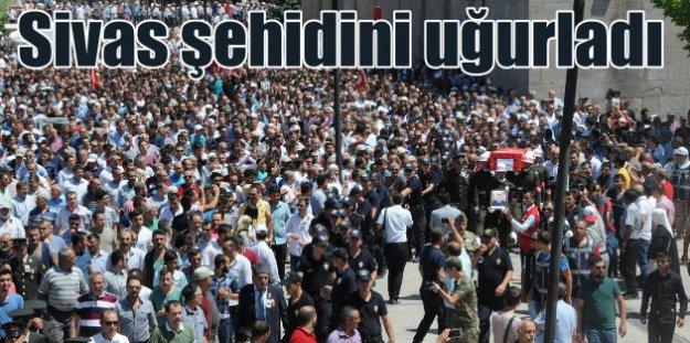 Sivaslı şehit Erkan Sakal'ı 15 bin kişi uğurladı