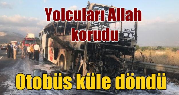 Yolcu otobüsü alev aldı, 20 kişi ölümden döndü