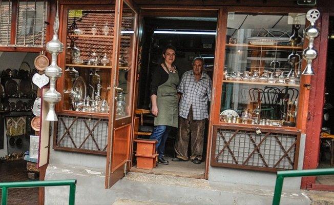 Bakırcılık geleneğini geleceğe taşıyan Saraybosnalı baba-kız