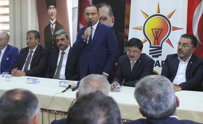 Bozdağ: Uluslararası toplum Arakan'da yaşananlara kör, sağır ve dilsiz