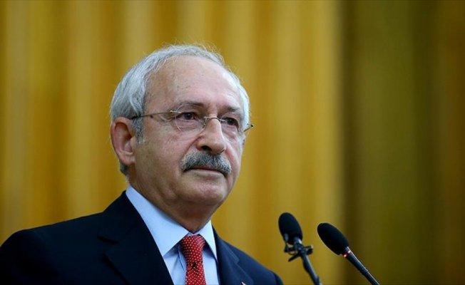 Kılıçdaroğlu, Tarık Akan'ı ölüm yıl dönümünde andı