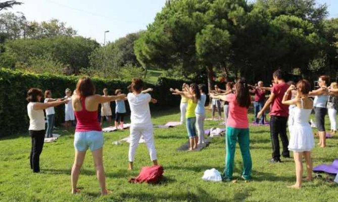 MAYOK yoga etkinliğine vatandaşlar da katıldı