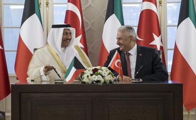 Türkiye ile Kuveyt ortak bildiri imzaladı