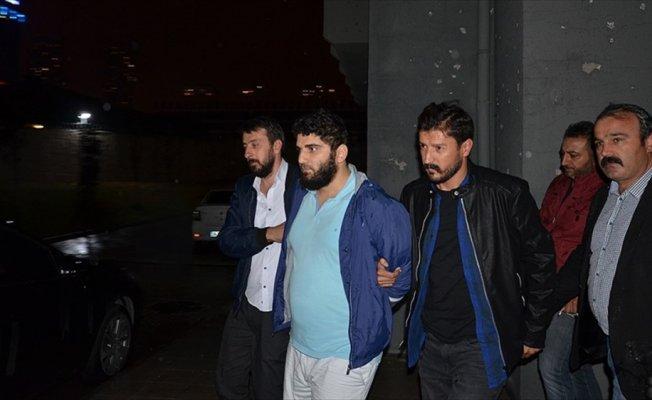 Ataşehir'de kaldırımda yürüyen kadına saldıran şüpheli yakalandı