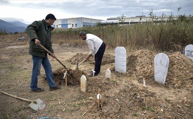 Atina'da Müslüman sığınmacıların mezarlık çilesi