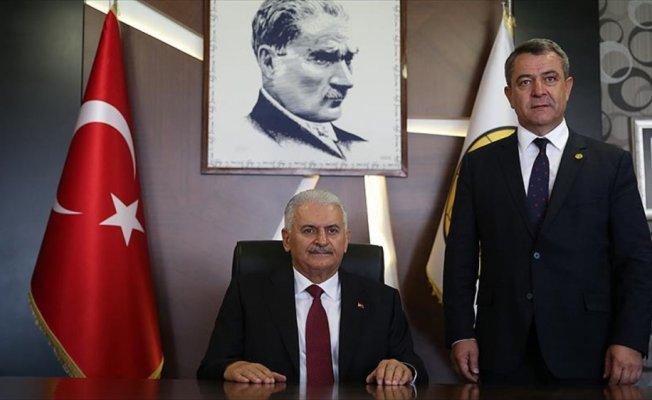 Başbakan Yıldırım'dan Eskişehirspor'a ziyaret