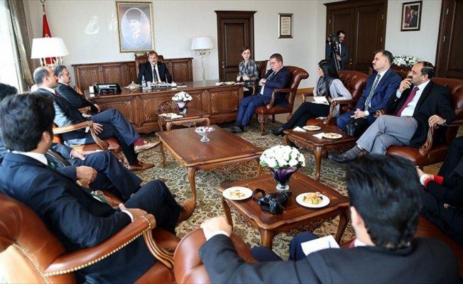 Çavuşoğlu, Pakistan basın heyetini kabul etti